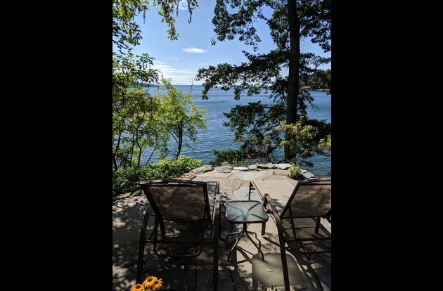 NEW  ~ Cliff side patio Lazy Bowen Hideaway & Lazy B Waterfront Suite