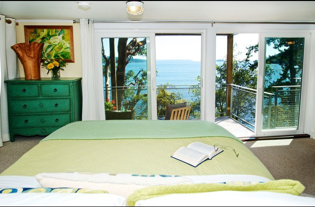The Suite has a plush queen size bed with gel topper. Awaken to ocean views.