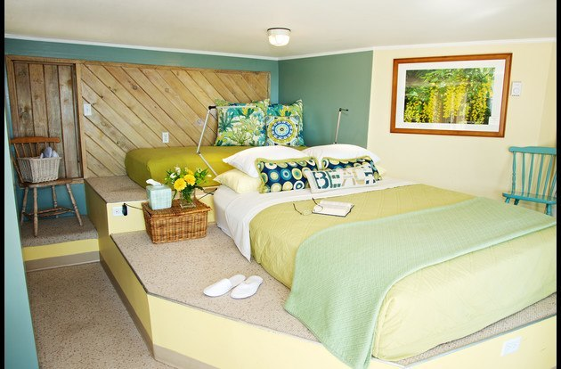 The Suite has a plush queen size bed with gel topper. A twin mattress is available for a single sleeper